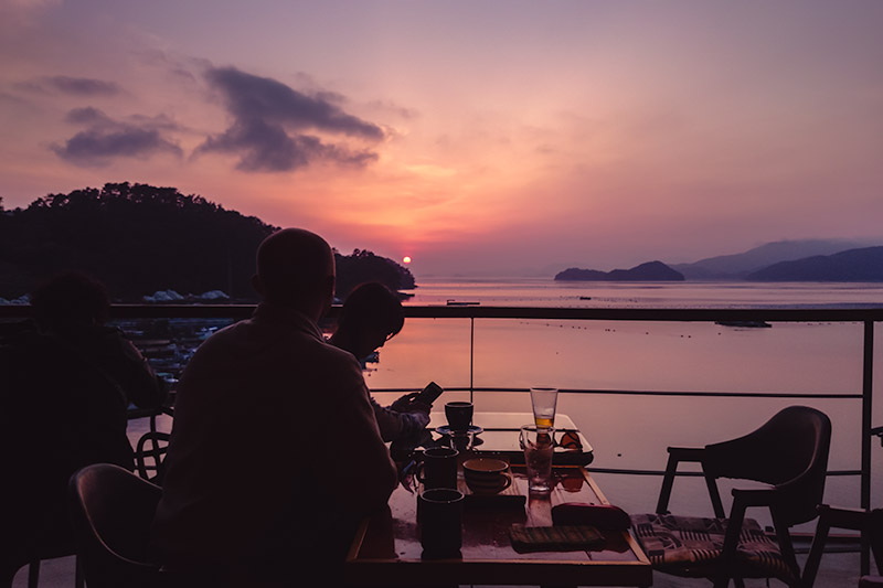 Stunning sunset colours at Brown House Cafe in Tongyeong