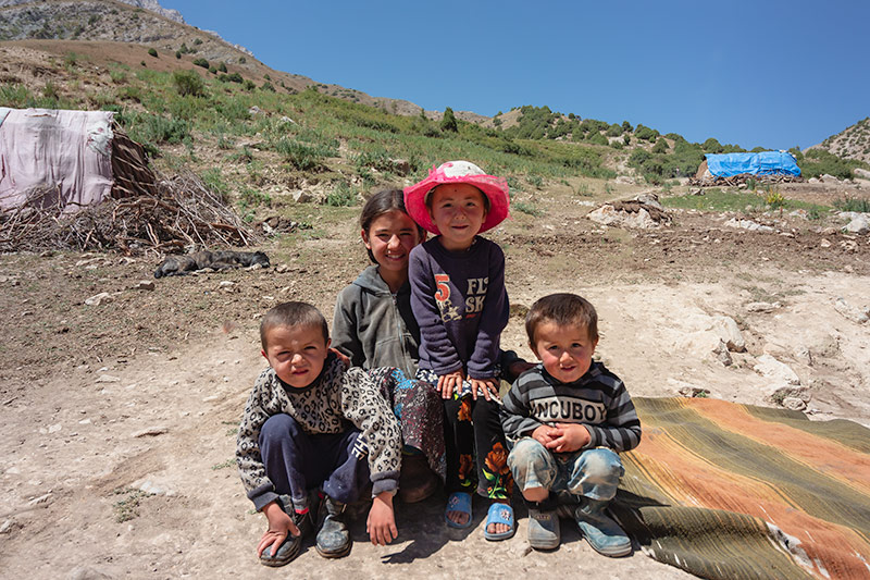 Independent Trekking In The Fann Mountains, Tajikistan: Haft Kul to Alauddin - Friendly kids from local nomad families