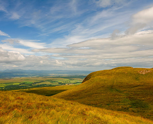 Ultimate Glasgow Guide: Hiking around Dumgoyne on a beautiful sunny day, The Trossachs National Park, Scotland