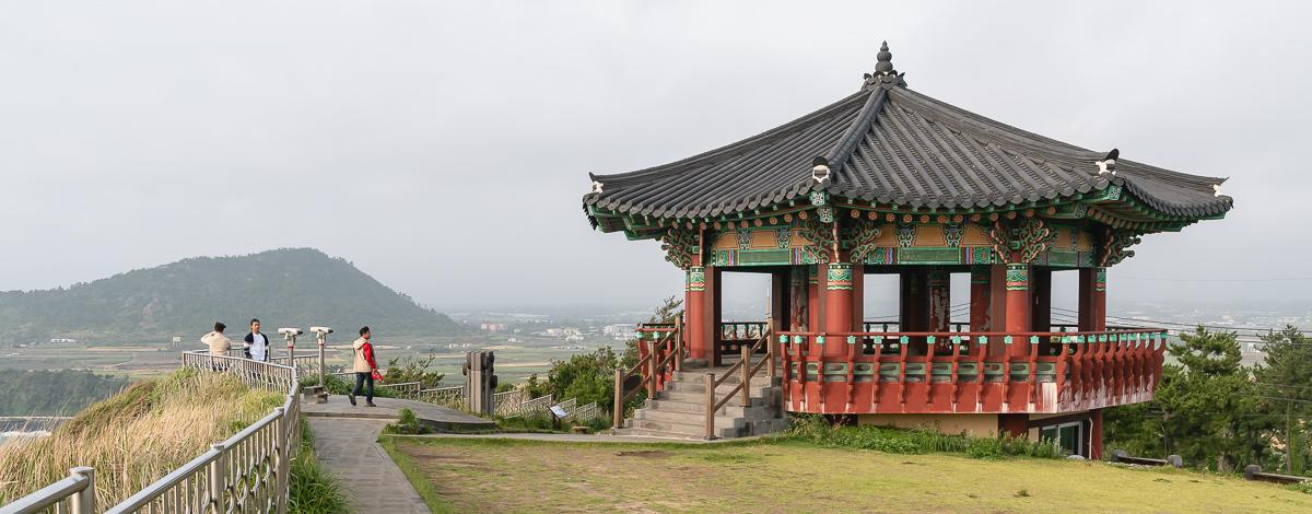 The hexagonal pavillion on Suweolbong, painted similarily to Korean temples
