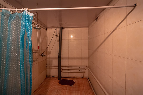 Budget Gobi Tour: Public shower house in the Gobi, Mongolia
