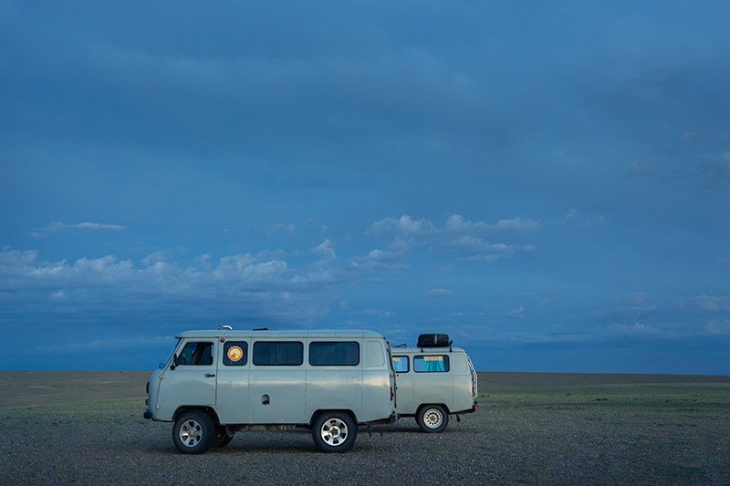 7 Days In The Gobi: The stylish Russian vans, transport of choice in the Gobi Desert, Mongolia