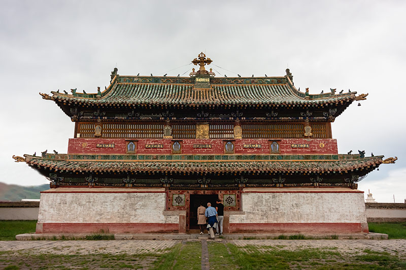 7 Days In The Gobi: The impressive temples at the Erdene Zuu Monastery in Kharkhorin, Mongolia