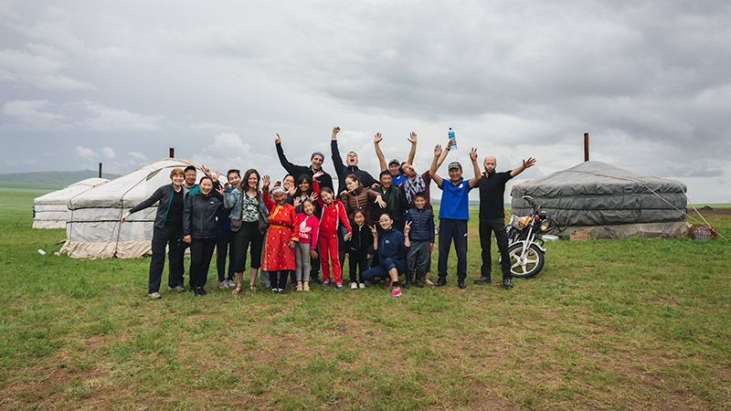 Budget Gobi Tour: Group photo with fantastic guides, drivers and host family