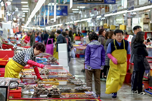 Busan City Guide: Inside Jagalchi Fish Market main building