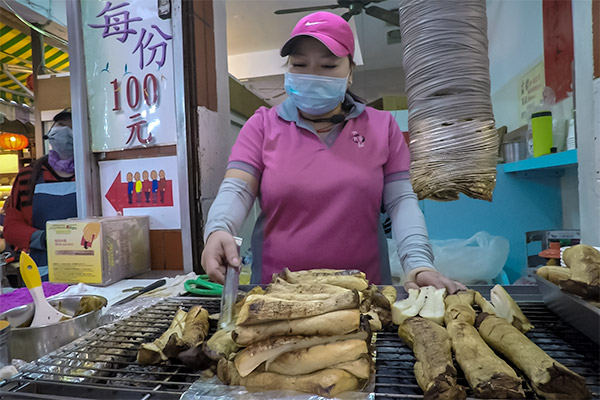 Day Trip From Taipei: King Oyster Mushroom Stall at Jiufen Old Street, Taiwan