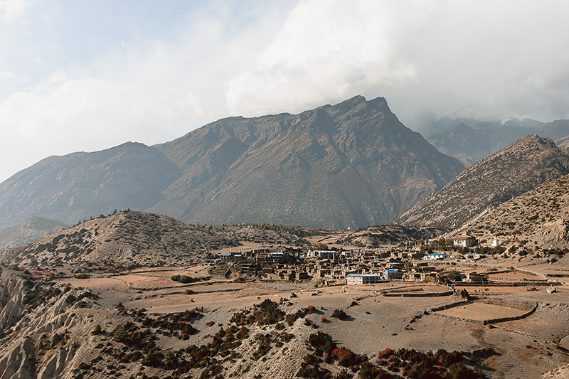 he village of Ngawal (3660 m) perched high above the Manang Valley