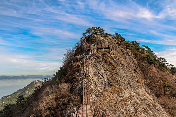 A scenic staircase on the best day hike in Korea, Saryangdo