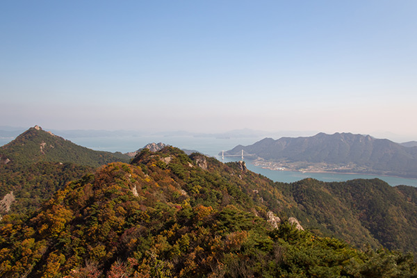 Clear views over the Saryangdo Island Ridge Hike, Tongyeong, South Korea