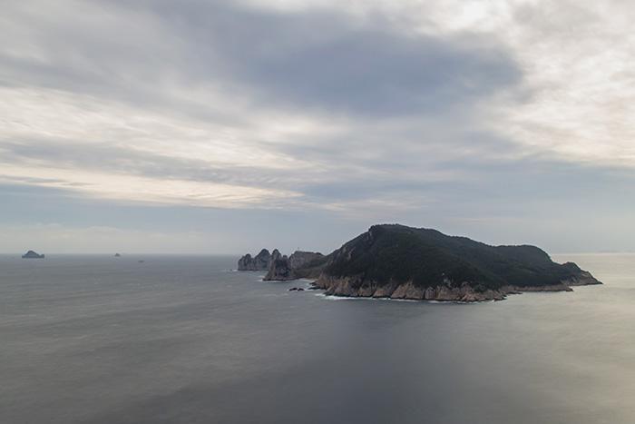 Tongyeong: Looking across to Somaemuldo from Maemuldo