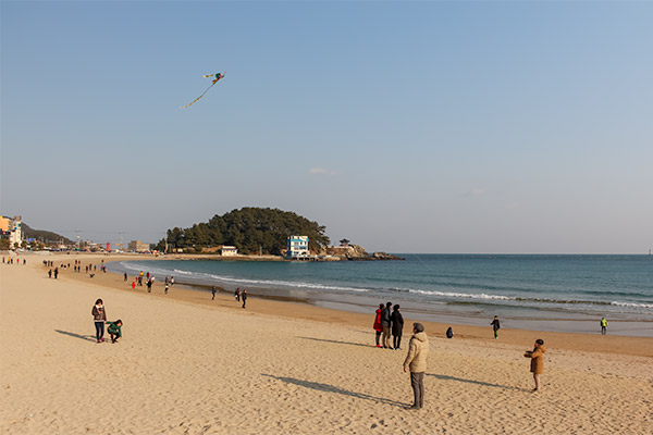 Busan City Guide: Songjeong Beach