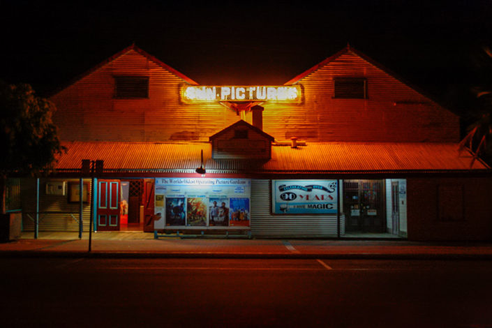 Western Australia Road Trip: Sun Pictures cinema in Broome - the world's oldest operating picture gardens