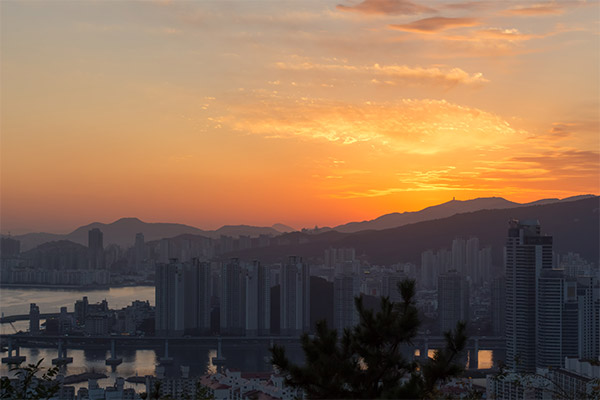 Busan City Guide: Sunset over the city from Ganbiosan Bongsudae