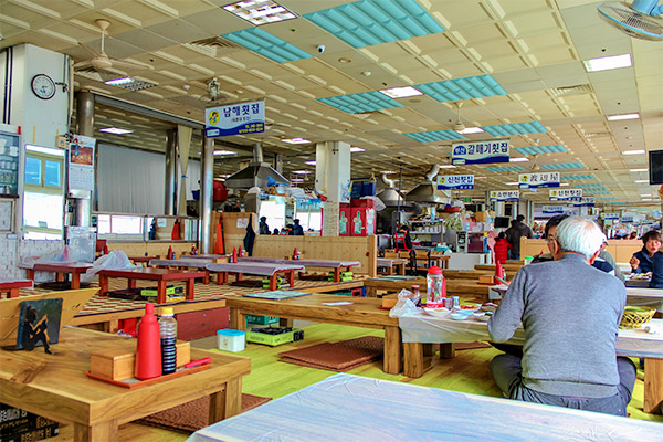 Busan City Guide: The eating area upstairs at Jagalchi Fish Market