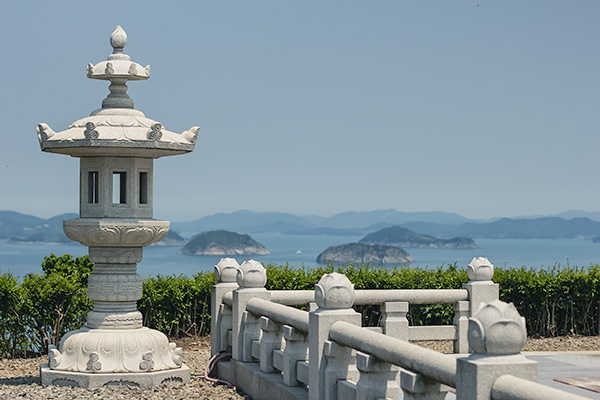 Tongyeong: Looking out from the highest peak on Yeonhwado
