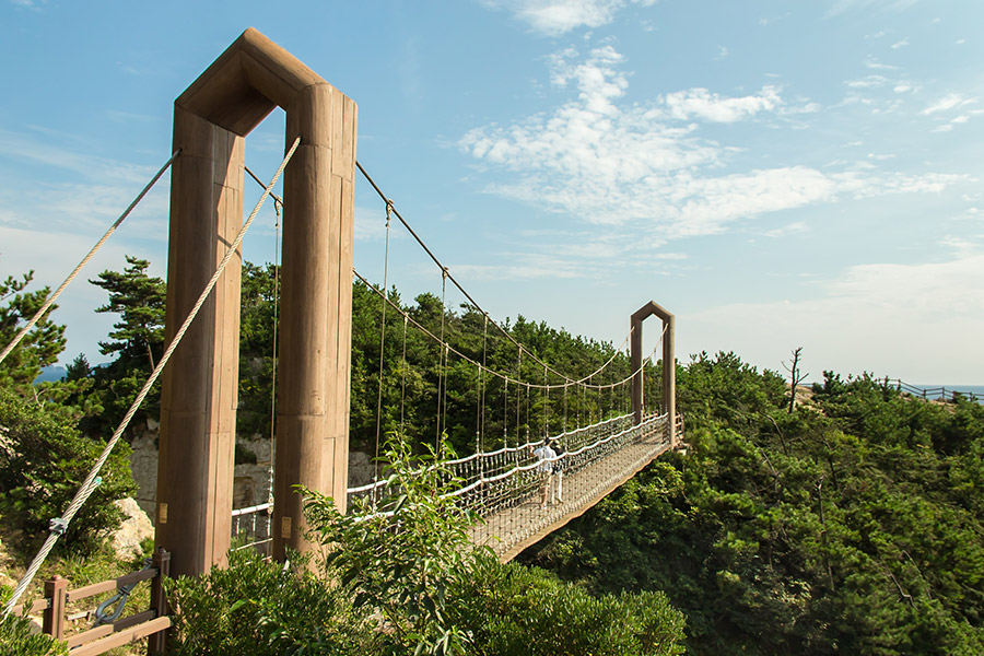 Yokjido A Korean Island Guide - Suspension Bridge